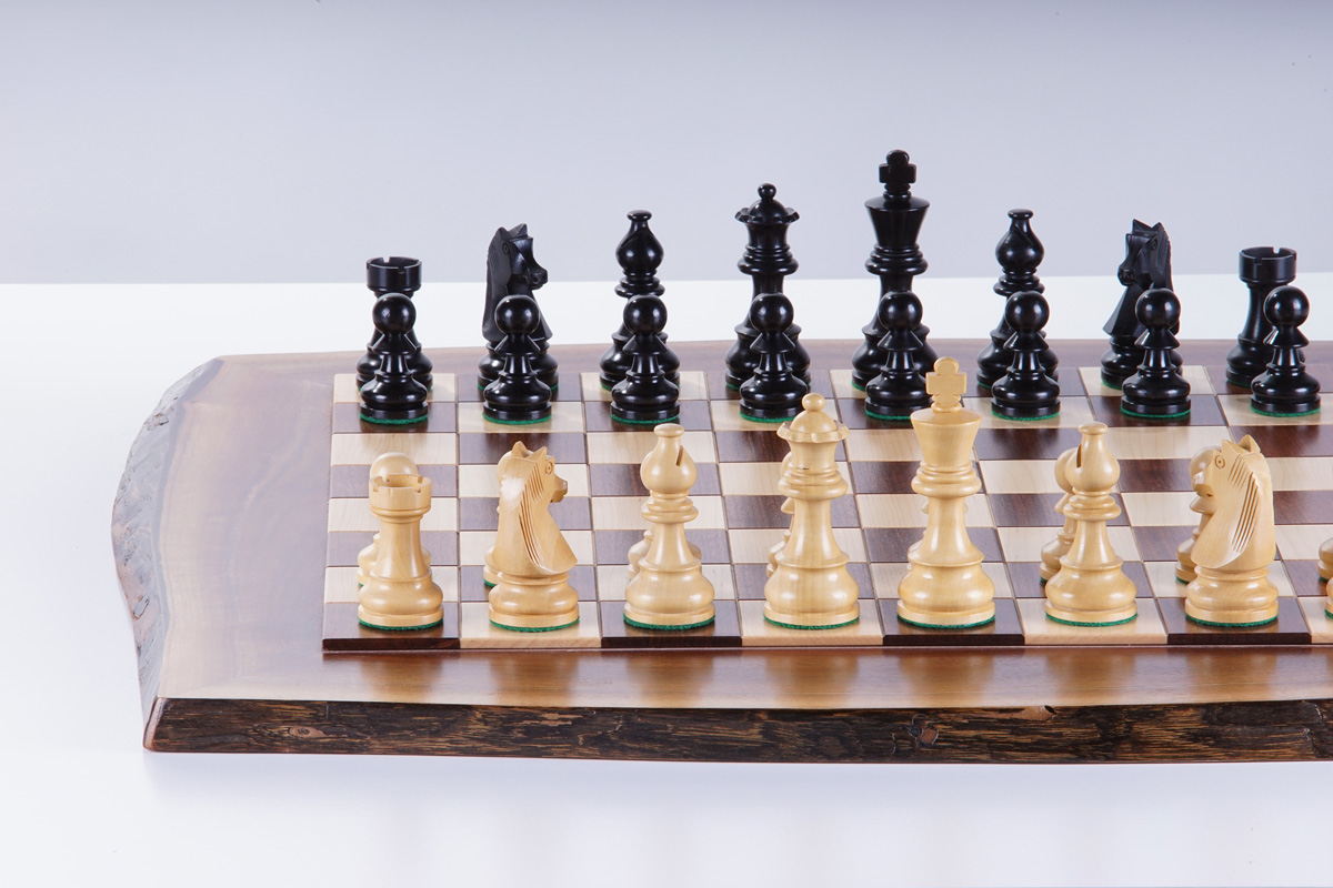 Solid wood chessboard