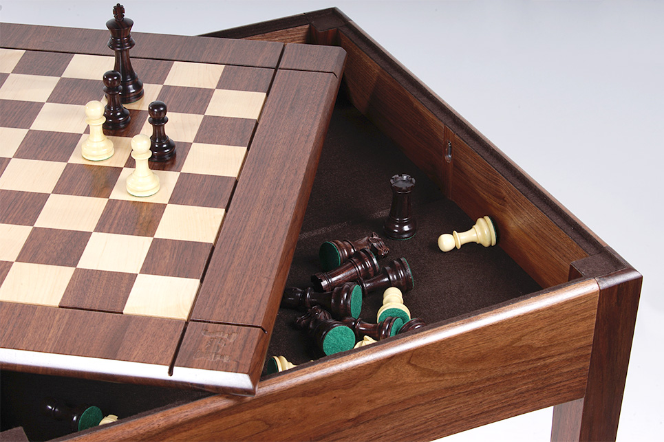 USA Made Walnut And Maple Playeru0027s Chess Table And Board